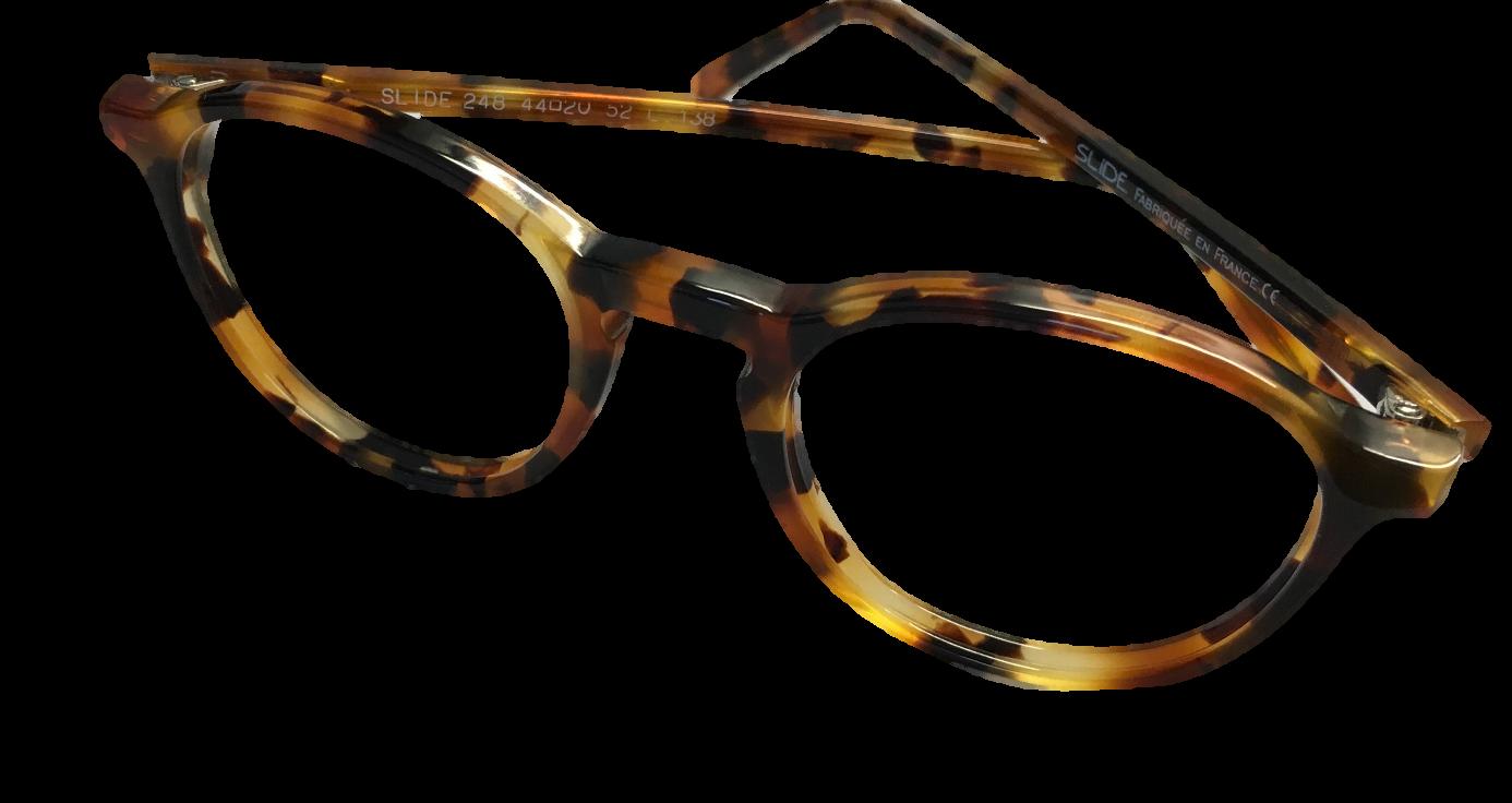 Pour la grande « Histoire » (il y en a toujours une avec nos fabricants),  Michel Roussilhe a fondé une petite entreprise de fabrication de lunettes  il y a ... 9147ce94f2df