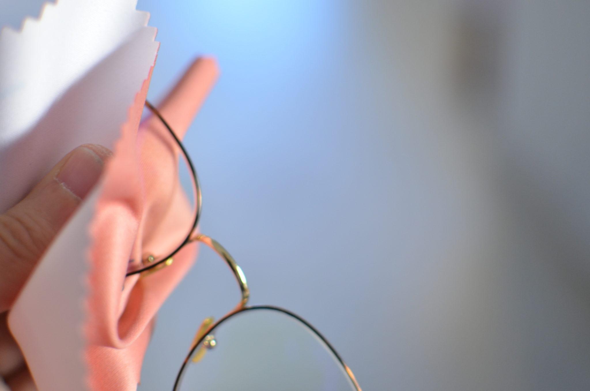 a76507f7bb1946 Comment bien nettoyer ses lunettes   - Lunettes au logis