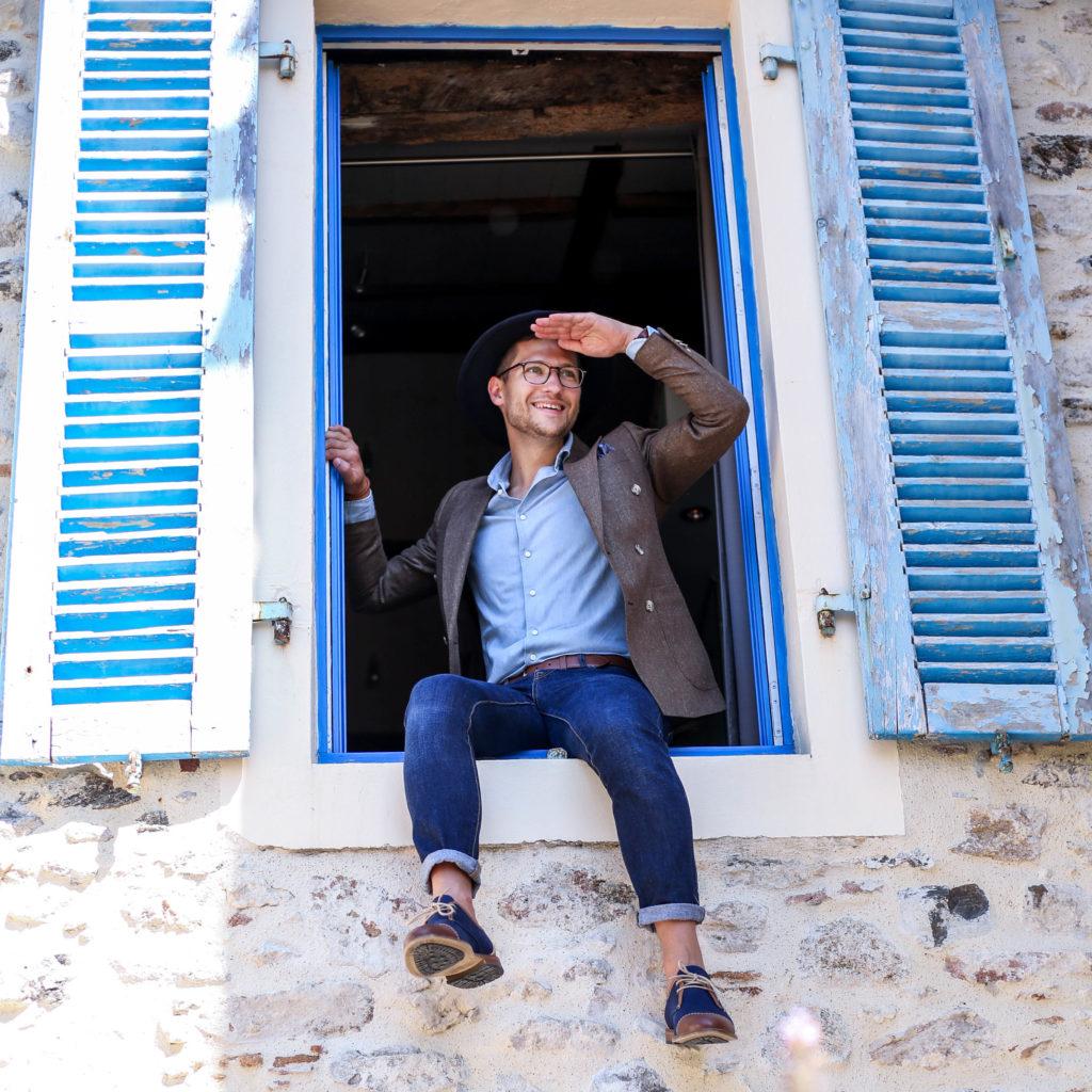 Yves Dron de chez Dress me Up avec ses lunettes de vue made in france