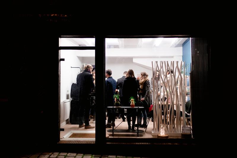 vitrine du magasin de lunettes Lunettes au Logis à orléans
